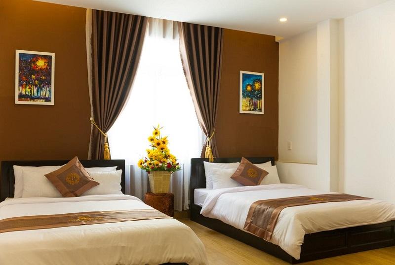 Không gian bên trong phòng của khách sạn Uyên Phương Đà Lạt