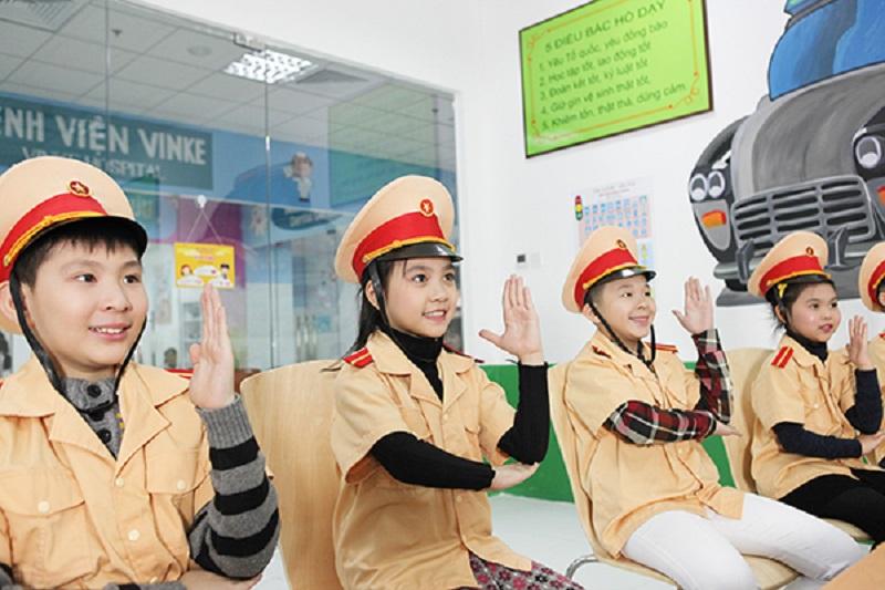 Tại VINKE Times City các bé sẽ được trải nghiệm đóng vai nhiều nghề nghiệp khác nhau