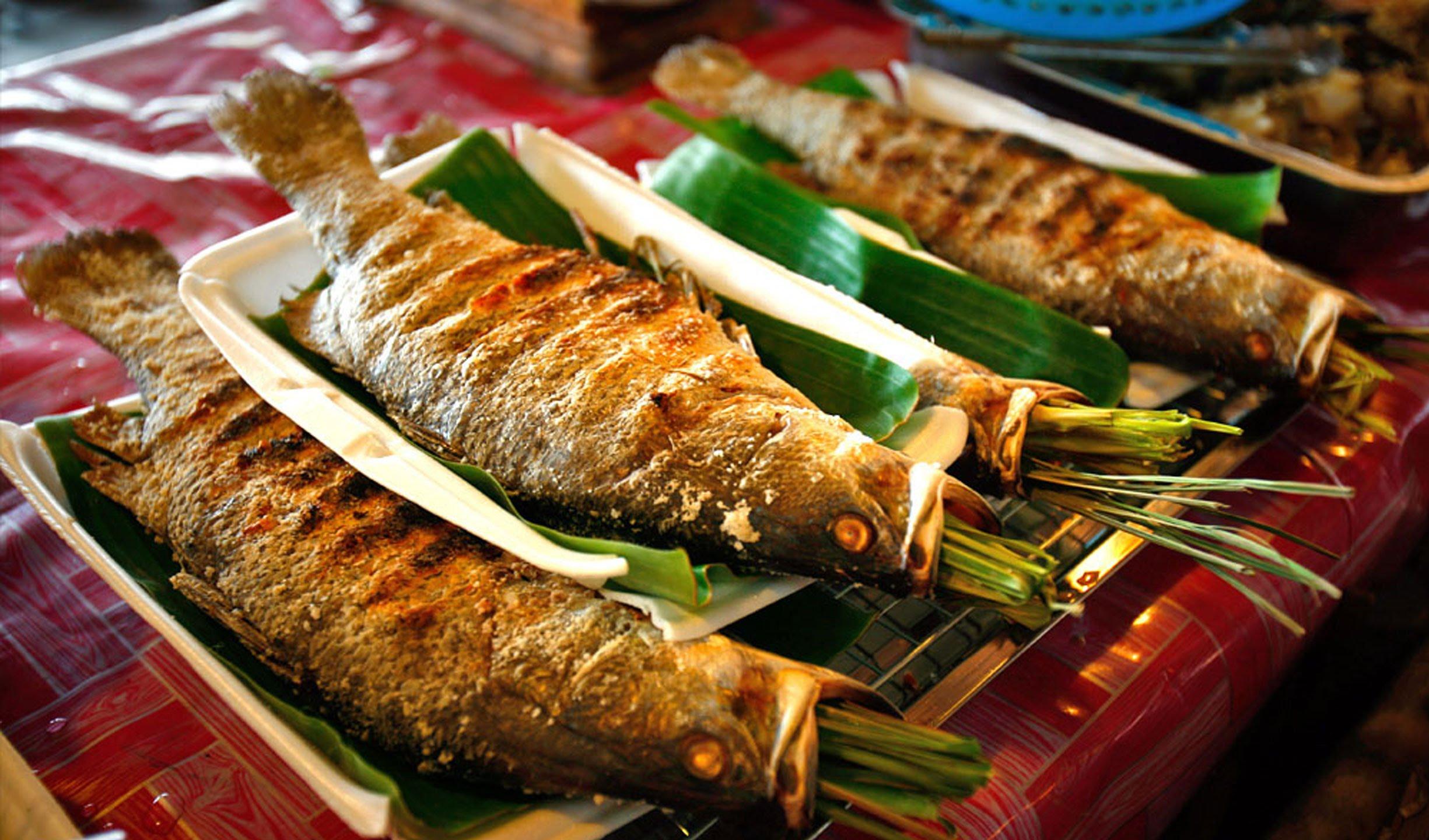 cá suối nướng ở mộc châu