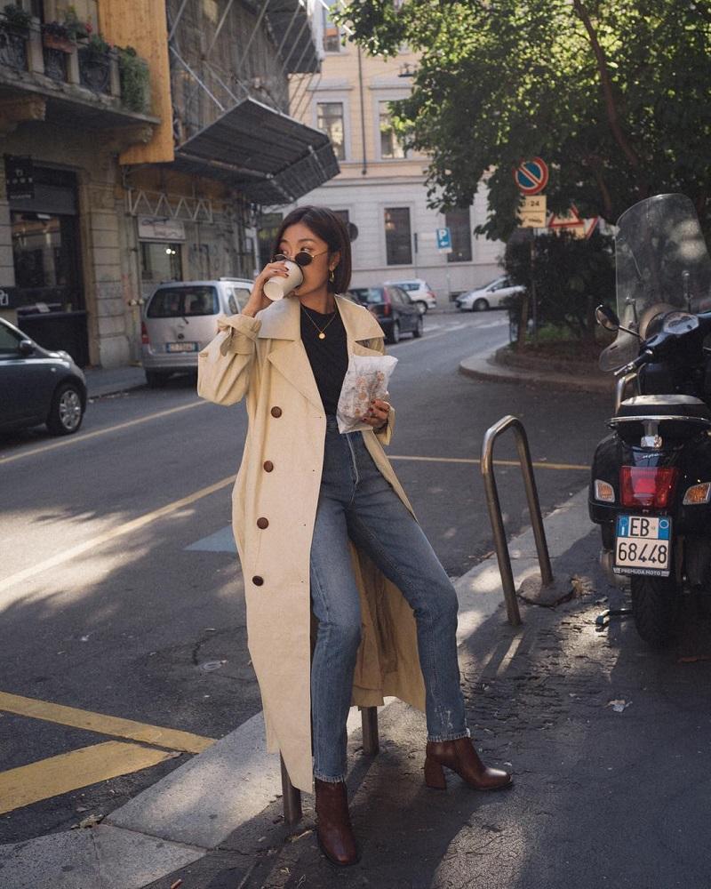 Thời thượng với trend coat và quần jeans