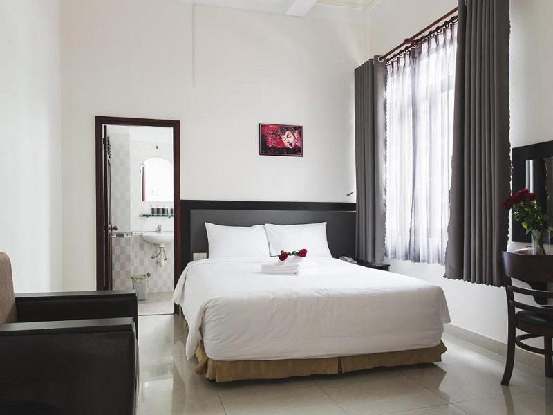 Kiến trúc tinh tế và sang trọng trong phòng ngủ của khách sạn Lá Xanh Đà Lạt