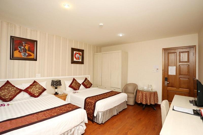 Không gian bên trong phòng của khách sạn Phố Núi Đà Lạt