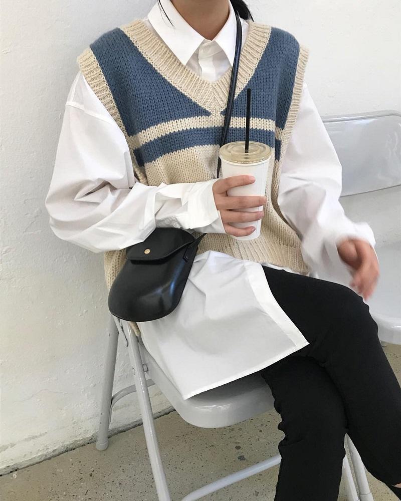 Áo sơ mi trắng mix áo len