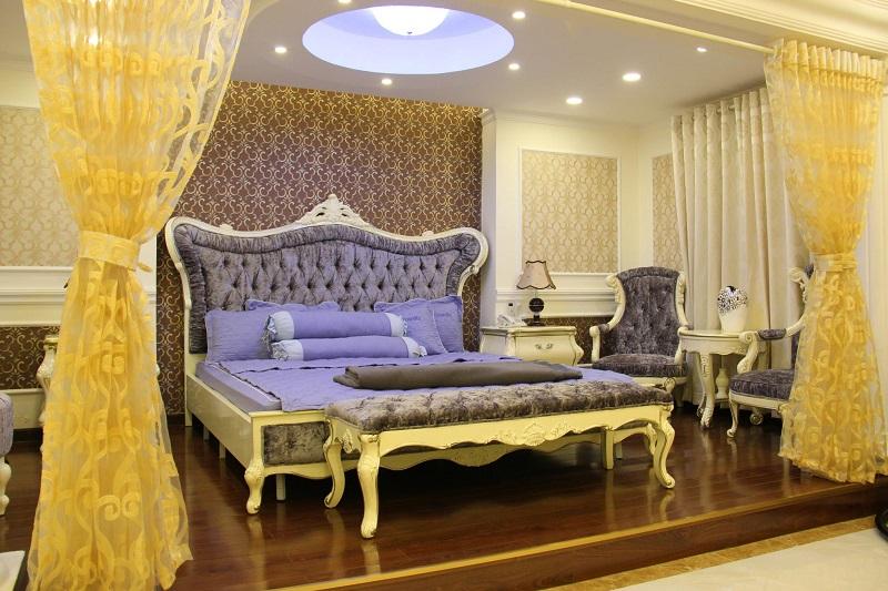 Phòng ngủ sang chảnh của khách sạn Royal Đà Lạt
