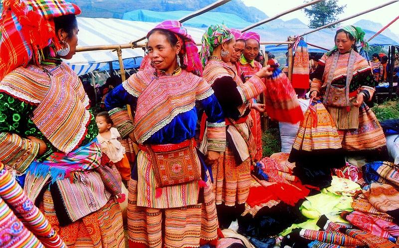 văn hoá chợ phiên lũng cú