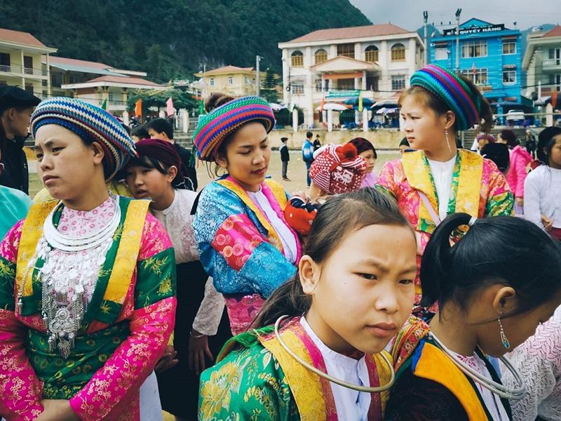 Những thiếu nữ tại chợ tình Khâu Vai