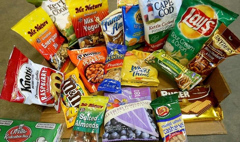 Đồ khô ăn vặt snack, kẹo, bánh quy...