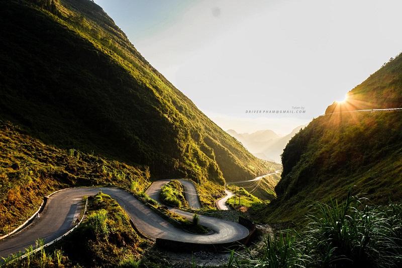 con đường hạnh phúc Hà Giang một buổi sớm mai