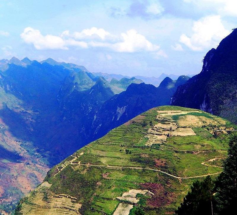 Đáy sông cổ Mèo Vạc Hà Giang