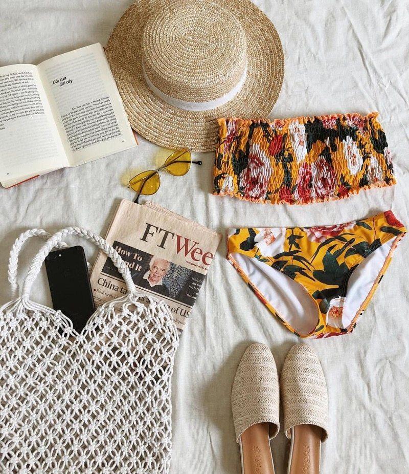 bikini, kính râm, mũ cói, túi cói đi biển, dép