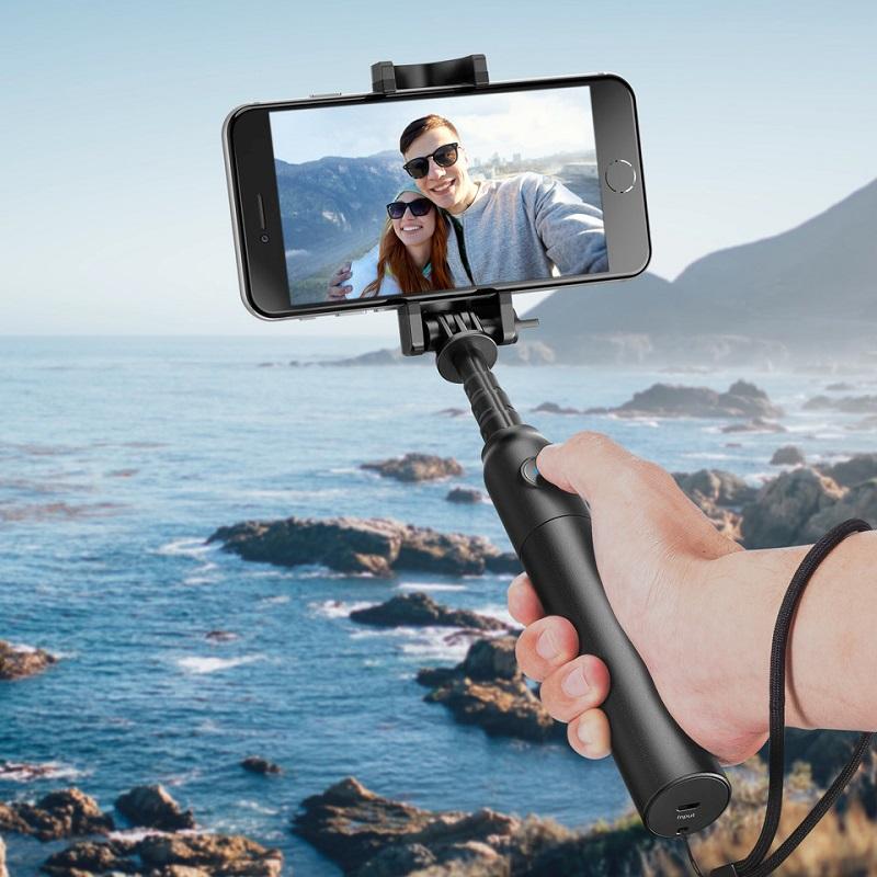 Đừng quên mang theo gậy tự sướng để có những tấm hình selfie đẹp