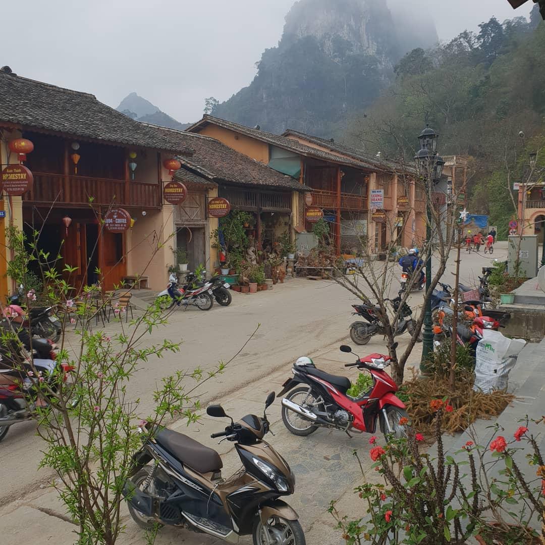 Những quán cafe ở phố cổ Đồng Văn