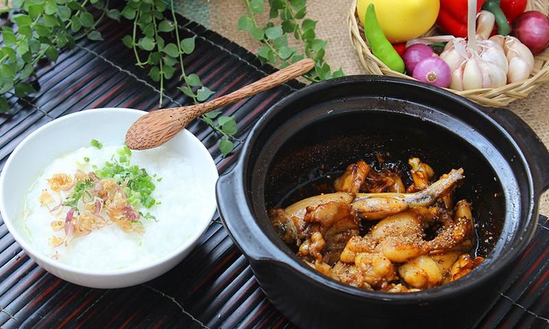 Món cháo ếch là một trong những đặc sản Singapore