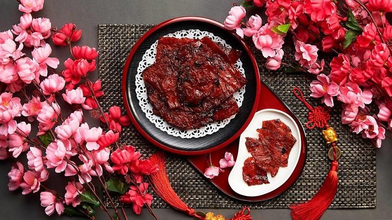 Món Bak Kwa có nguyên liệu chính là thịt gà sấy khô