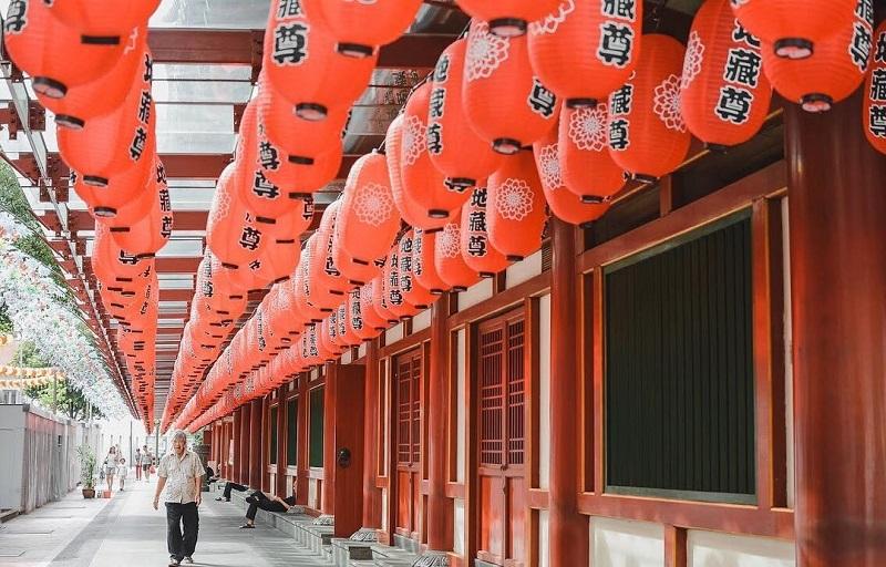 Những dãy đèn lồng màu đỏ tại khu China Town