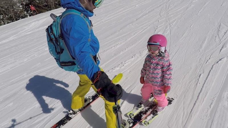 Hướng dẫn trượt tuyết Ski sơ cấp dành cho trẻ - Travelgear Blog
