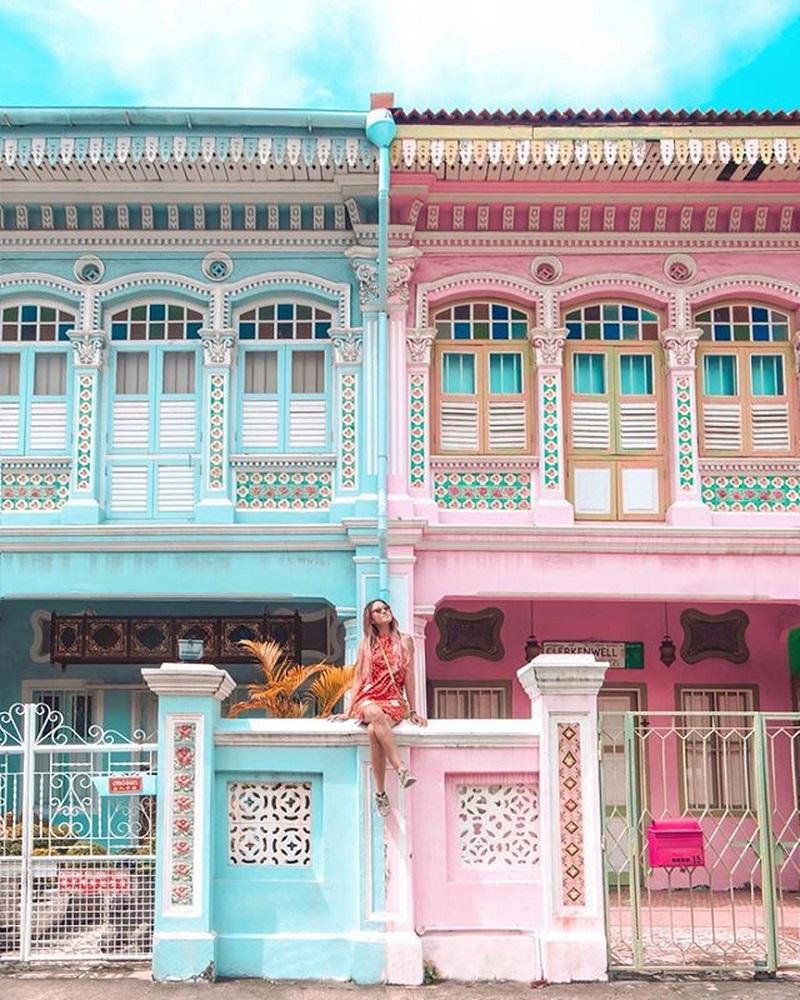 Khu Tiểu Ấn có những căn nhà màu sơn rực rỡ
