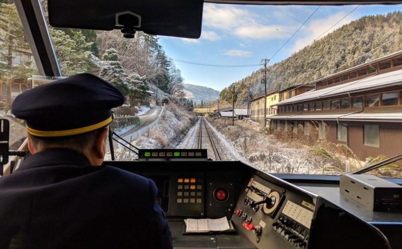Du lịch Nhật Bản tự túc có thể di chuyển bằng tàu hỏa