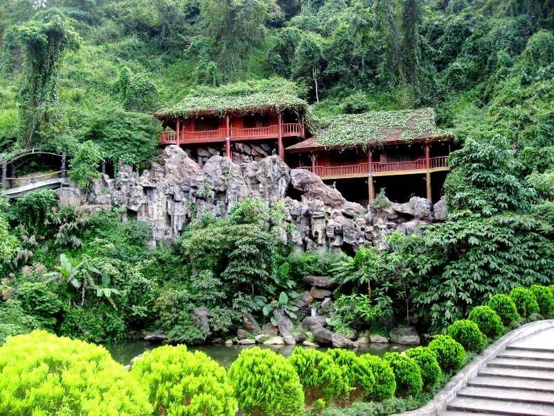 Kiến trúc độc đáo, cổ kính của Thiên Sơn - Suối Ngà Resort