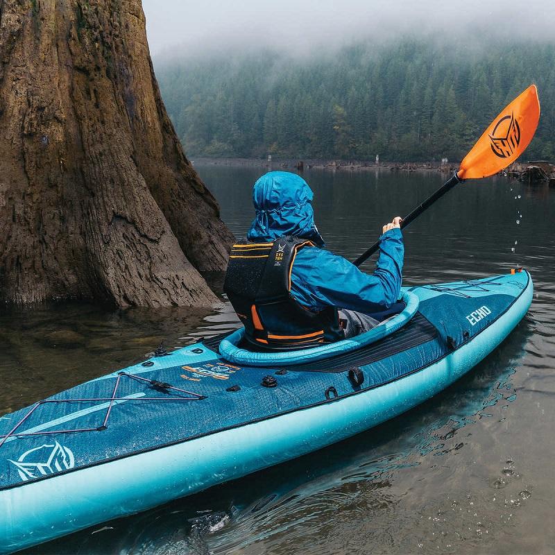 Kayaking là gì? Những điều cần biết về chèo thuyền Kayak – Travelgear Blog