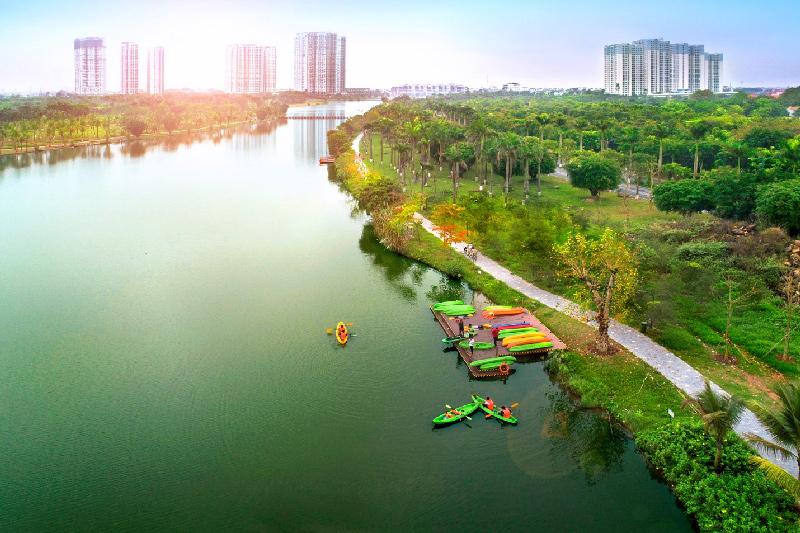 Chèo thuyền Kayak ở Hồ Thiên Nga