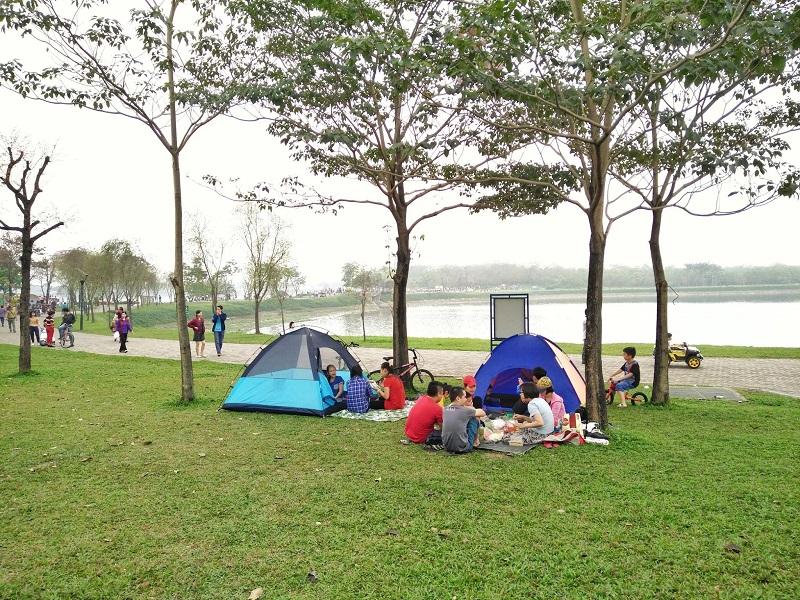 Dựng lều trại và tổ chức dã ngoại picnic
