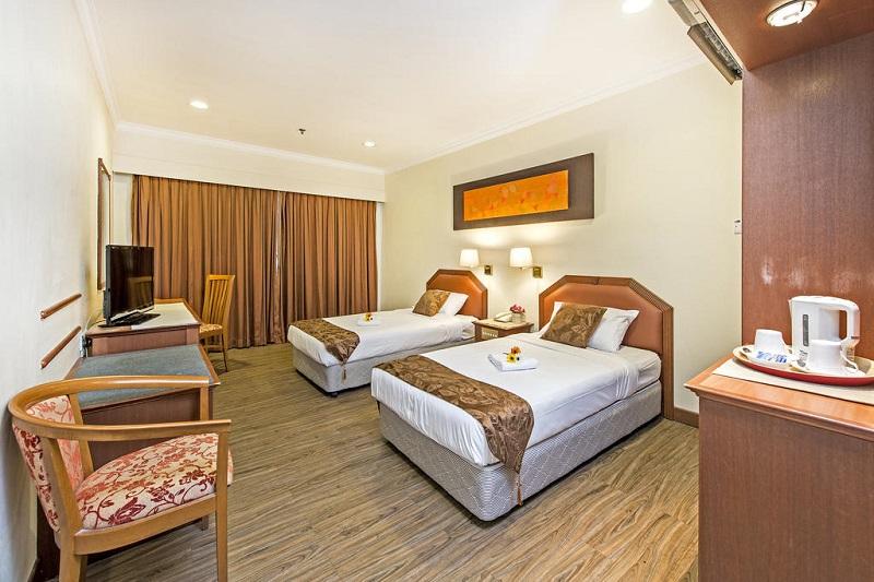 Phòng nghỉ được bố trí nhiều ánh sáng Hotel 81 Tristar