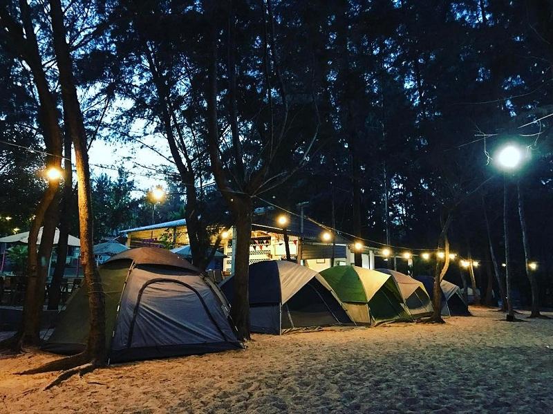Buổi tối ở khu cắm trại Zenna Pool Camp