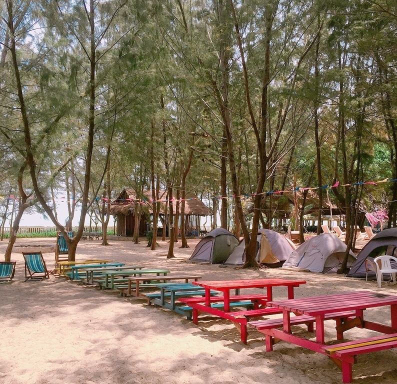 Khung cảnh của khu du lịch Zenna Pool Camp