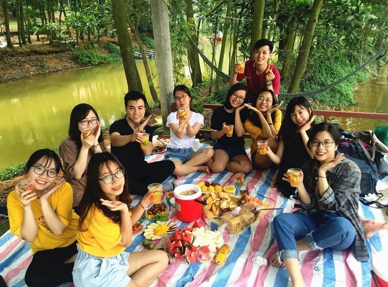 Tổ chức ăn uống khi đi picnic dã ngoại