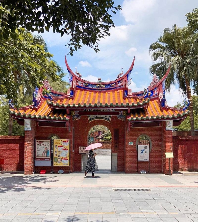 Đền Nho giáo Đài Loan có diện tích khá rộng và được thiết kế đậm nét kiến trúc Trung Hoa