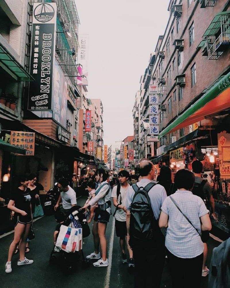 Đường phố và các khu chợ ở Đài Loan luôn tấp nấp khách