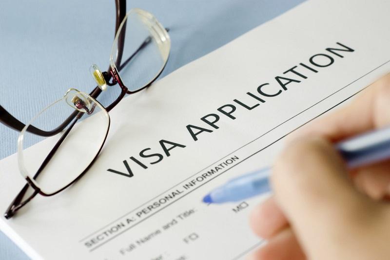 Điền đơn xin visa