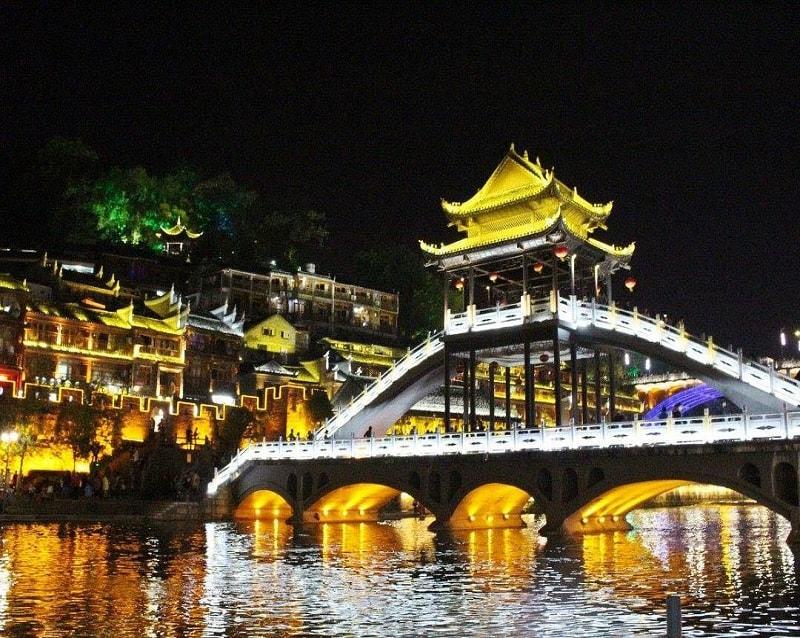 kinh nghiệm du lịch trương gia giới phượng hoàng cổ trấn