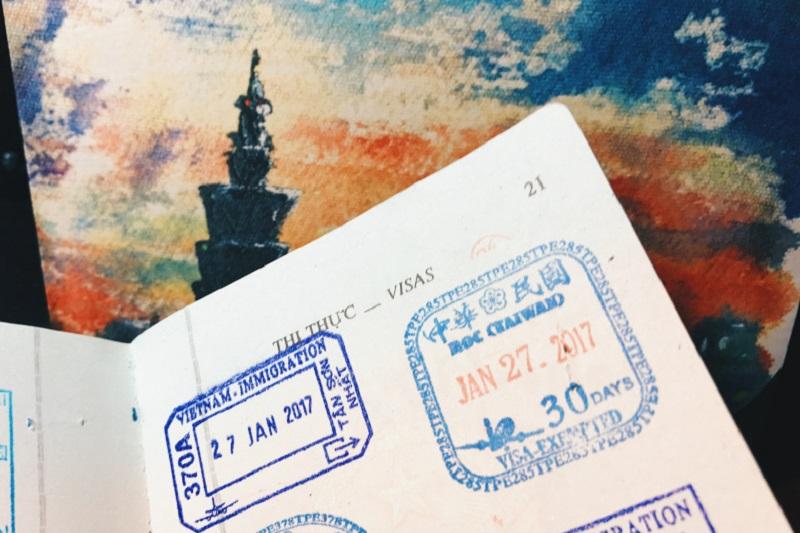Dấu giáp lai chứng nhận làm visa
