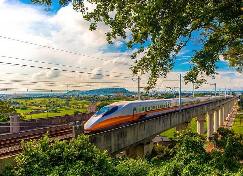 Tàu cao tốc Đài Loan rất hiện đại