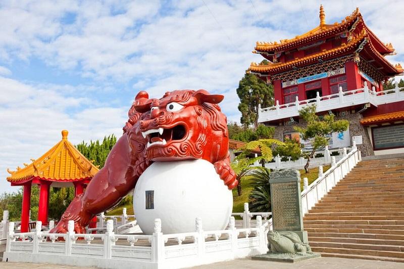 Văn Võ Miếu là nơi thờ Khổng Tử ở Đài Loan