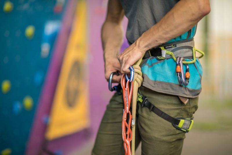 Cách vệ sinh và bảo quản dây đai bảo hộ leo núi - Travelgear Blog