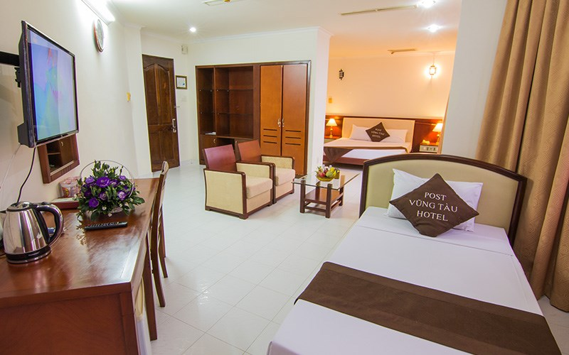Không gian phòng ngủ ấm cúng ở khách sạn Bưu Điện Vũng Tàu