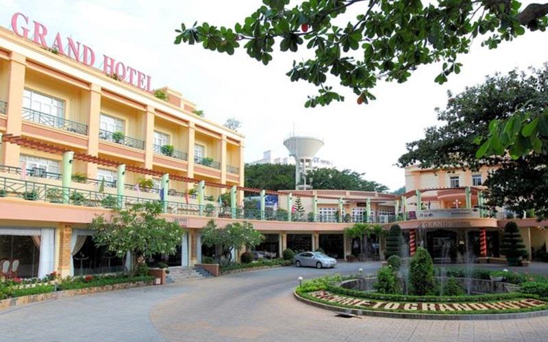 Khuôn viên khách sạn Grand Vũng Tàu