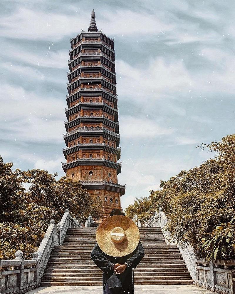 Bậc thang lên chùa