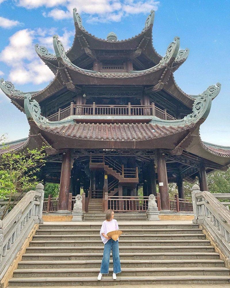 Khuôn viên tại chùa Bái Đính
