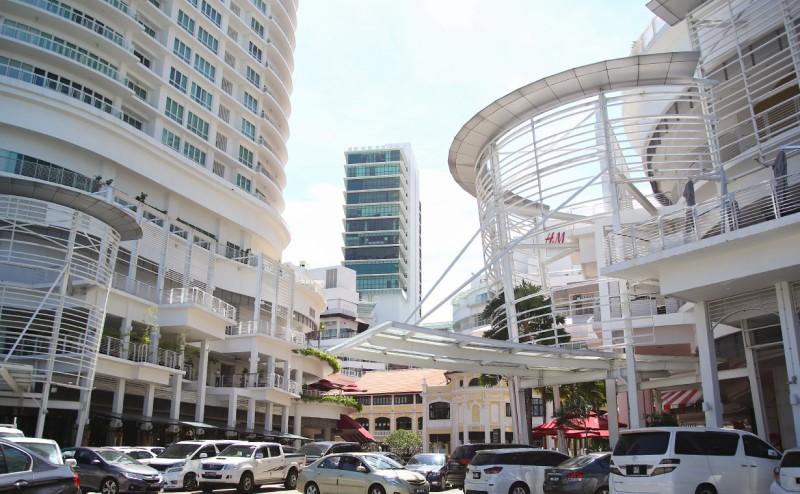 Trung tâm thương mại Gurney Paragon