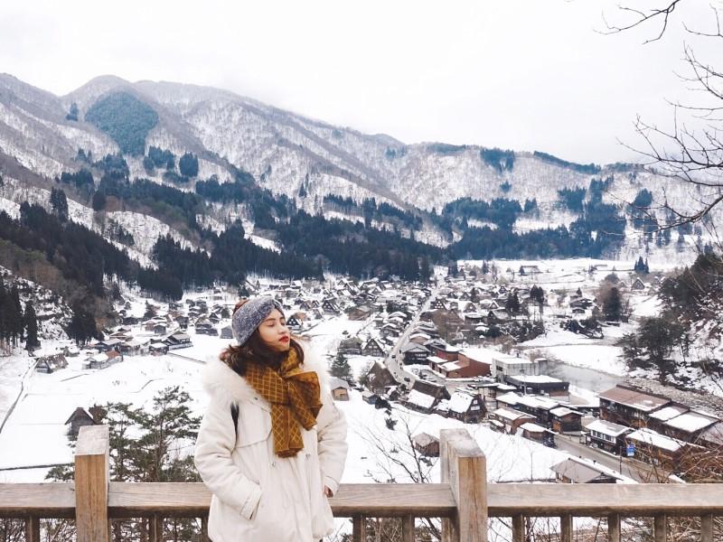 Làng Shirakawago phủ trắng trong tuyết mùa đông