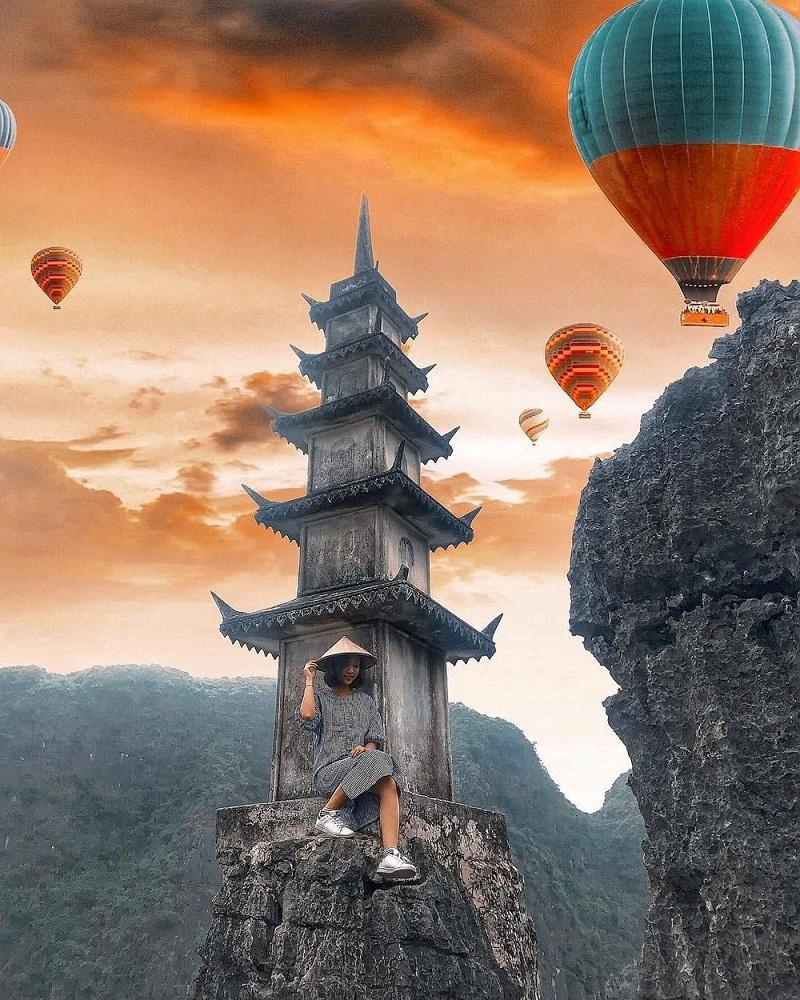 Sử dụng app chỉnh ảnh khinh khí cầu với những bức hình chụp tại Ninh Bình