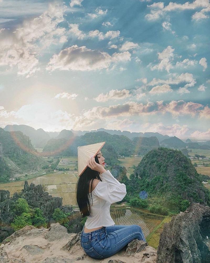 Hang Múa - nơi ngắm khung cảnh tuyệt đẹp của Ninh Bình