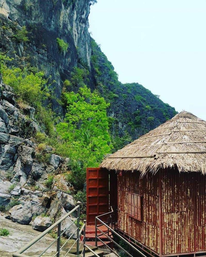 Những ngôi nhà rơm giữa núi rừng tại Ninh Bình Valley homestay