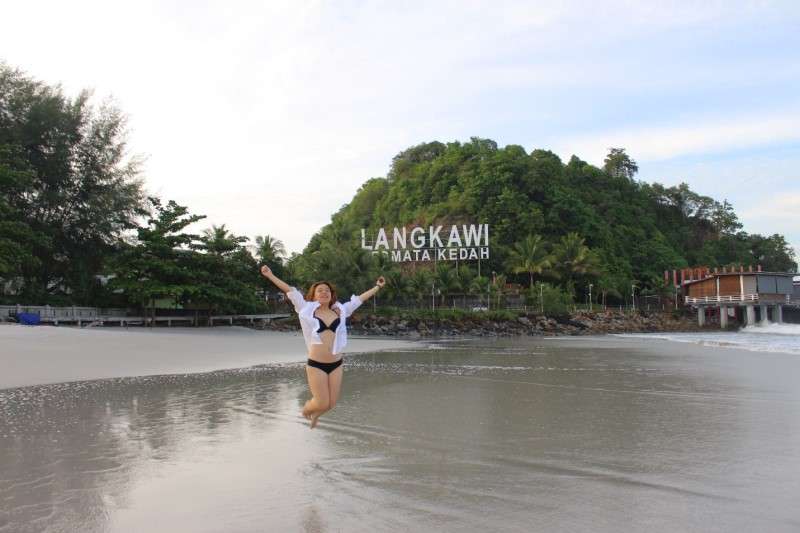Tại bãi biển Langkawi