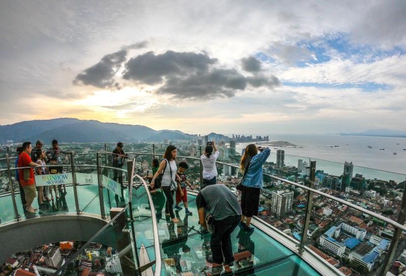 Cầu kính view hướng biển tại Penang