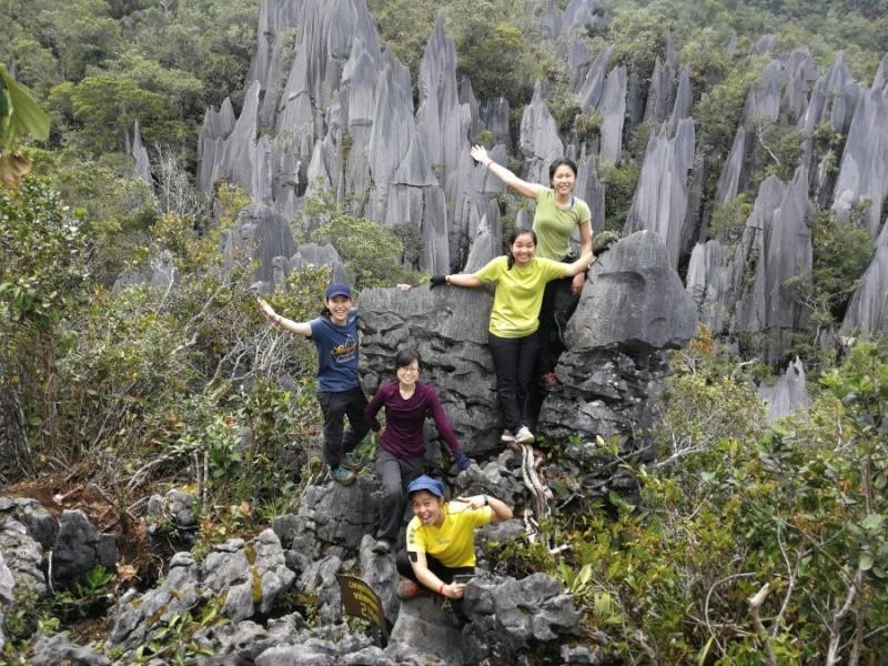 Công viên quốc gia Gunung Mulu ở Sarawak với các hang lớn